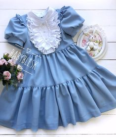 Frocks For Girls, Kids Frocks, Baby Girl Party Dresses, Little Girl Dresses, Vintage Baby Dresses, Baby Dress Design, Baby Girl Dress Patterns, Baby Girl Fashion, Toddler Dress