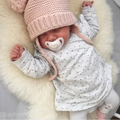 """Scarlett """"So many of my smiles begin with you"""" Little Babies, Little Ones, Cute Babies, Little Girls, Cute Baby Pictures, Newborn Pictures, Silikon Baby, Mixed Babies, Baby Family"""