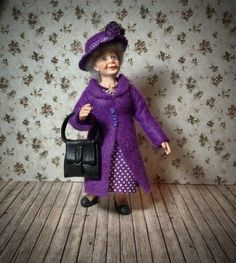OOAK 12th Scale Miniatur ältere Dame Figur Puppe (peggypigtails) | eBay Dollhouse Dolls, Miniature Dolls, Lady, Harajuku, Scale, Miniatures, Beautiful, Vintage, Handmade