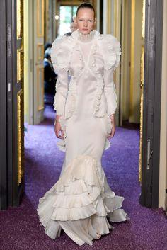 Sfilata Francesco Scognamiglio Parigi - Alta Moda Autunno-Inverno 2016-17 - Vogue