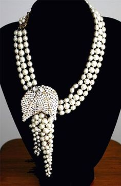MIRIAM-HASKELL-SIGNED-3-STRAND-PEARL-LARGE-LEAF-DIAMANTE-NECKLACE-PENDANT