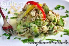 Esse Risoto Integral de Frango e Abobrinha é uma delicia e uma ótima opção para aproveitarmos sobras de alimentos guardados na geladeira!  #Receita aqui: http://www.gulosoesaudavel.com.br/2013/07/17/risoto-integral-frango-abobrinha/