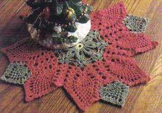 Free Crochet Pattern ~ Poinsettia Pineapple Doily