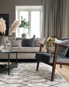The Best Beige Living Room Design Ideas - Designing a living room decor is a key to transforming an ordinary room to a wonderful one. A few simple steps can be easily done and make a big diffe. Beige Living Rooms, Living Room Trends, Living Room Colors, Living Room Inspiration, Living Area, Living Room Decor, Interior Design Living Room, Living Room Designs, Greige