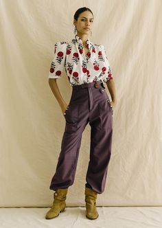 Plum Pants, Bohemia Style, Bohemia Fashion, Boho Inspiration, Feminine Dress, Daily Fashion, Printed Shirts, Dresses With Sleeves, How To Wear