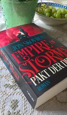 Empire of Storms - Pakt der Diebe - Der Auftakt zu einer packenden Fantasystory mit vielen liebenswerten Charakteren.