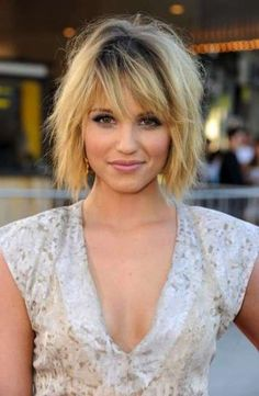 31 Fantastic Bob hairstyles with bangs, # hairstyle # coat hairstyle Kinderfrisuren . Bob Hairstyles For Round Face, Layered Bob Hairstyles, Cool Hairstyles, Short Haircuts, Medium Hairstyles, Hairstyle Short, Hairstyles Haircuts, Latest Hairstyles, Hairstyle Ideas