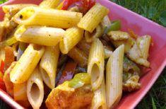 Salade de pâtes poulet avocat sauce curry