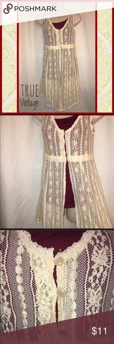 """🌼Vintage Cardigan🌼 True Vintage cream cardigan size XS. No stretch and EUC. Bust measurement pit to pit flat is 15.6"""" Length from the shoulder is 31"""". 3 buttons at the top and then flowy and open at the bottom. Great for fall. Sweaters Cardigans"""