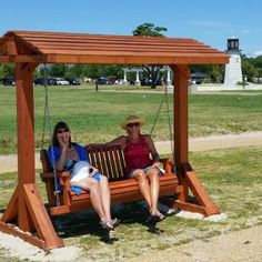 The finest best built Bench Swing Sets on the market. These lovely garden bench swings are truly built to last decades in any weather. Outdoor Patio Swing, Outdoor Life, Outdoor Living, Swing Set Plans, Swing Sets, Bench Swing, Wooden Swings, Best Build, Parking Design