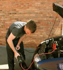 http://repairtipsinfo.wordpress.com/  Investing in smart auto repair can save consumers hundreds of dollars over the years they keep theirtruck and car.
