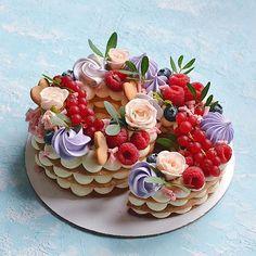 Очередная циферка 2️⃣9️⃣ Каждый торт неповторимый и только для Вас❤️ ————————————————-#тортмосква #торт #тортик #тортыназаказ… Biscuit Cake, Panna Cotta, Biscuits, Ethnic Recipes, Food, Crack Crackers, Dulce De Leche, Cookies, Sponge Cake