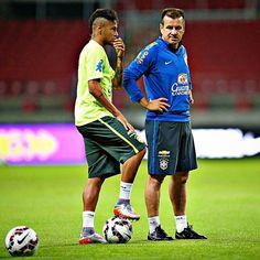 09.06 - Treino da seleção no estádio Beira Rio em Porto Alegre #seleçãobrasileira #seleção #brasil #neymar