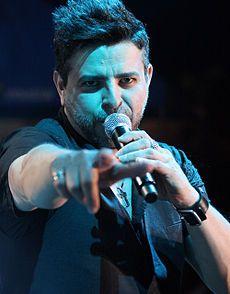 Luis Enrique Mejía López (n. Somoto, Nicaragua, 28 de septiembre de 1962) mejor conocido como Luis Enrique, el Príncipe de la salsa es un reconocido intérprete, músico, compositor y productor de origen nicaragüense que ha desarrollado una exitosa carrera musical en los ritmos de salsa, pop y jazz.