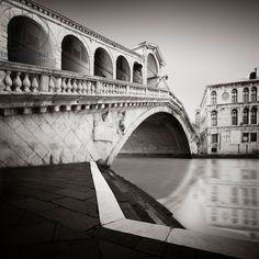 Ponte di Rialto - Study 3 Venice, Italy, 2013 (b/w photo) / Photo © Ronny Behnert / Bridgeman Images