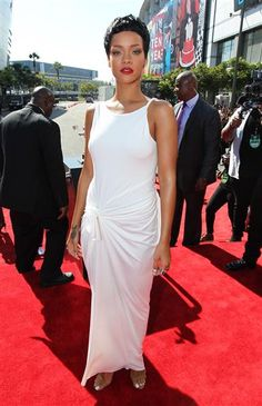 Rihanna arrives at the MTV Video Music Awards at Staples Center in Los Angeles on Sept. 6, 2012.