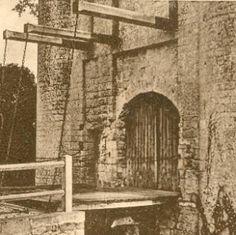 """22- le château de Villeneuve la Comtesse:  le pont levis. - § VILLENEUVE LA COMTESSE: Dans sa notice historique sur l'ancien château de Villeneuve-la-Comtesse d'Hippolyte d'Aussy s'est demandé pourquoi le nom de Comtesse a-t-il été joint à celui de Villeneuve? """"Il y a très certainement eu une cause, et on est réduit à des suppositions plus ou moins vraisemblables: la Comtesse de ce manoir le défendit-elle en l'absence du seigneur avec tant de valeur qu'elle mérita que le titre de l'héroïne…"""