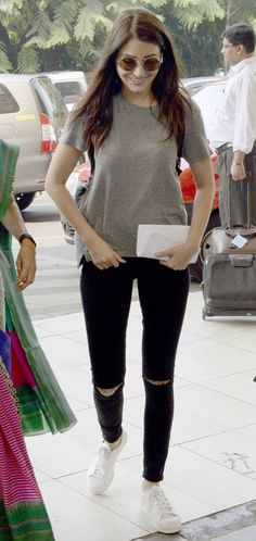 celebrity airport style best outfits - Page 97 of 100 - Celebrity Style and Fashion Trends Celebrity Airport Style, Celebrity Outfits, Bollywood Celebrities, Bollywood Actress, Bollywood Fashion, Chic Outfits, Fashion Outfits, Fashion Ideas, Travel Outfits