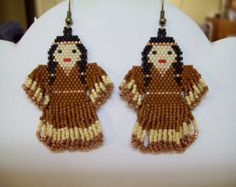 Native Amerian Style Beaded Indian Doll Earrings in Copper and Sienna Southwestern, Peyote, Brick St Beaded Earrings Native, Beaded Earrings Patterns, Native Beadwork, Native American Beadwork, Beading Patterns, Feather Earrings, Bead Earrings, Brick Stitch Earrings, Indian Dolls