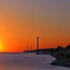 Blankenese ganz orange II #hamburg #beautiful #leuchtturm #lighthouse #photooftheday #instagood #bestoftheday #urban #urbanromantix #welovehh #sunset #falkensteinerufer #wearehamburg #igers_hamburg #capture #moments #instagood #elbe #segeln #sailing #bs_world #worldbestshot_ig #ig_hamburg #best_streetview #shhared #loves_germany #ig_worldclub #bnw_captures #igglobalclub
