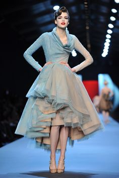 Dior Couture ~ Hmmm, where HAVE I seen this before? Perhaps my retired SL sister Yi, could tell me. lol ~