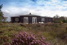 NV15: Top bewertetes, großes Ferienhaus für 4 Personen. 2 Badezimmer. Kaminofen. Haustiere nicht erlaubt. Ab 705 € pro Woche.