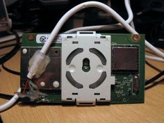 Hack wireless xbox 360 controller to run on PC. (spare wireless receiver hack)