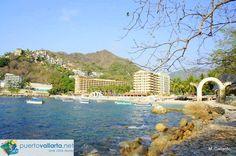 Mismaloya, you can see Barceló Resort (ex- La Jolla de Mismaloya) La Jolla, Puerto Vallarta Resorts, Bay Photo, Sand And Water, Winter House, Best Sites, Sandy Beaches, Beach Fun, Php