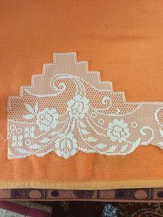 Filet Crochet Charts, Crochet Doily Patterns, Crochet Doilies, Unique Crochet, Bargello, Festival Decorations, Crochet Trim, Chrochet, Cross Stitch Embroidery