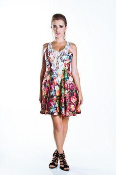 Vestido Evasê Floral com Renda