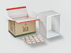 foodmailer®, kaschiert mit offsetbedrucktem #Graspapier. Die Versandbox erhält so eine besonders natürliche Optik und die Nachhaltigkeit auf den ersten Blick erkenn- und greifbar.• #Dinkhauser #foodmailer #offset #packaging #karton #wellpappe #webshops #onlineshop #ecommerce #verpackungsdesign #nachhaltig #plasticfree #keinplastik #klimaneutral #recycling #lebensmittelversenden #gekühltversenden Gras, Ecommerce, Recycling, Decorative Boxes, Container, Food, Home Decor, Paper, Packaging Design