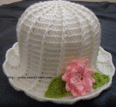 Açıklamalı tığ işi şapka modeli