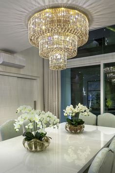 Casa Real, Light Fittings, E Design, Luxury Homes, Kitchen Dining, Chandelier, Ceiling Lights, Mansions, Lighting