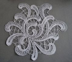 Back to the lace cushion 2 Romanian Lace, Bobbin Lace Patterns, Chrysanthemum, Needlework, Crochet Necklace, Bruges, Embroidery, Stitches, Pictures