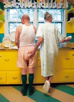 Okay, it's a silly picture, but I am actually pinning it for the little shelves on either side of the window.  Doable storage for my little kitchen! ~lvt Old Couples, Romantic Couples, Buen Humor, Make Me Smile, Silly Pictures, Yellow Envelopes, Grow Old With Me, Growing Old Together, Husband Humor