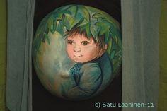 Herkkupurkki: taideteos  body art, bregnant, baby, painting Baby Painting, Some Body, My Works, Body Art, Christmas Bulbs, Holiday Decor, Christmas Light Bulbs, Body Mods, Baby Drawing