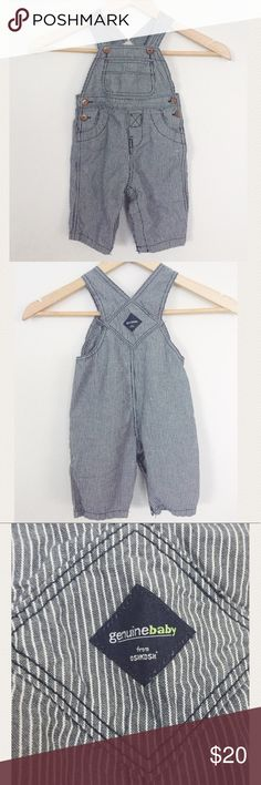 Genuine Baby by Oshkosh Overalls Treat your little guy to these precious striped overalls! Snap bottoms. Shoulder straps have two snaps so you can adjust fit! Excellent condition! Size : 6 months Osh Kosh One Pieces