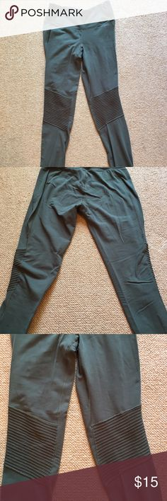 Army green Carrie Underwood Calia Leggings In great condition, super comfortable. Carrie Underwood brand. CALIA by Carrie Underwood Pants Leggings