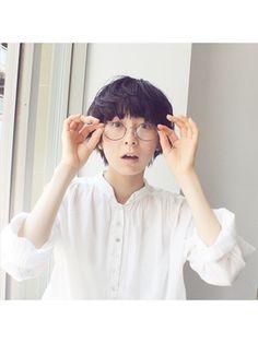夏にオススメ!ウェットな質感のパーマショート - 24時間いつでもWEB予約OK!ヘアスタイル10万点以上掲載!お気に入りの髪型、人気のヘアスタイルを探すならKirei Style[キレイスタイル]で。