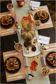 Thanksgiving Kids' Table Decorations