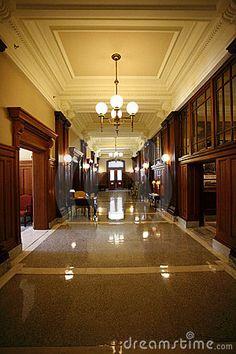 court-hall-2762528.jpg (300×450)