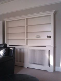 inspiration for bookshelf in hall Home Living Room, Bungalow Interiors, Built In Shelves Living Room, Dining Room Walls, Radiator Cover, New Living Room, Living Room Wall Units, Wall Shelves Living Room, Bookcase Diy