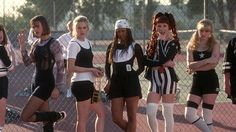 "I got Cher, Dionne, and Amber's sporty P. look! Which Iconic ""Clueless"" Outfit Are You Based On Your Zodiac? Clueless 1995, Clueless Fashion, Clueless Style, Cher Clueless Outfit, Clueless Costume, Dionne Clueless Outfits, Cher Horowitz, 1990s Fashion Trends, Fashion Models"