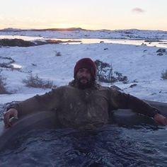 Splash Splish #JasonMomoa taking a bath  as #DeclanHarp on the set of #Frontier in an Oasis Hot Tub!  Oasis Hot Tubs./Oasis Spa and Leisure on Facebook #Aquaman #ArthurCurry #KhalDrogo
