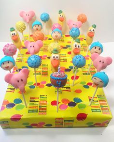 Pocoyo birthday cake pops By blakers dozen 1st Birthdays, 2nd Birthday Parties, Baby Birthday, Birthday Ideas, No Bake Cake Pops, Cake Push Pops, Cake Pop Designs, Birthday Cake Pops, Love Cake