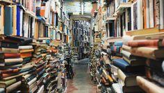 A lo largo de la historia, grandes autores han visto desaparecer sus libros.