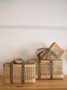 Canastos Bamboo Weaving, Willow Weaving, Basket Weaving, Bamboo Crafts, Wood Crafts, Diy And Crafts, Cane Baskets, Bushel Baskets, Bamboo Basket