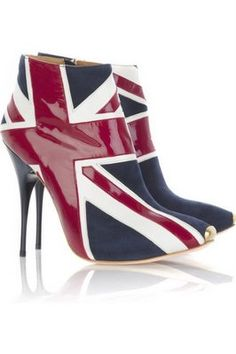 Alexander McQueen     the queen and i love these but..... only lets just look says our feet