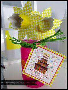 .. Bouquet jonquille + vase pour maman ..