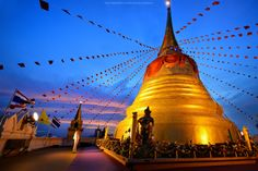 Sunrise : The Golden Mount in Bangkok by noomplayboy  on 500px